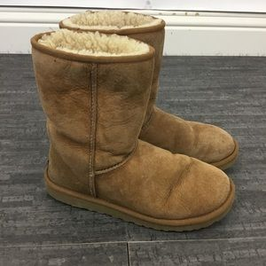 UGG classic short beige shearling boots